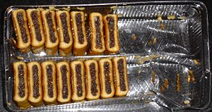 Fig roll - A plastic tray of mass-produced Fig Newtons