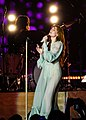 Florence and the Machine 12 09 2018 -2 (32834300578).jpg