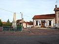 Fontenouilles-FR-89-mairie & monument aux morts-03.jpg