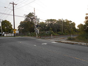Former Holtsville LIRR Station driveway at Waverly Avenue.JPG