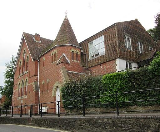 Former United Reformed Church, Lower Street, Haslemere (June 2015) (1)