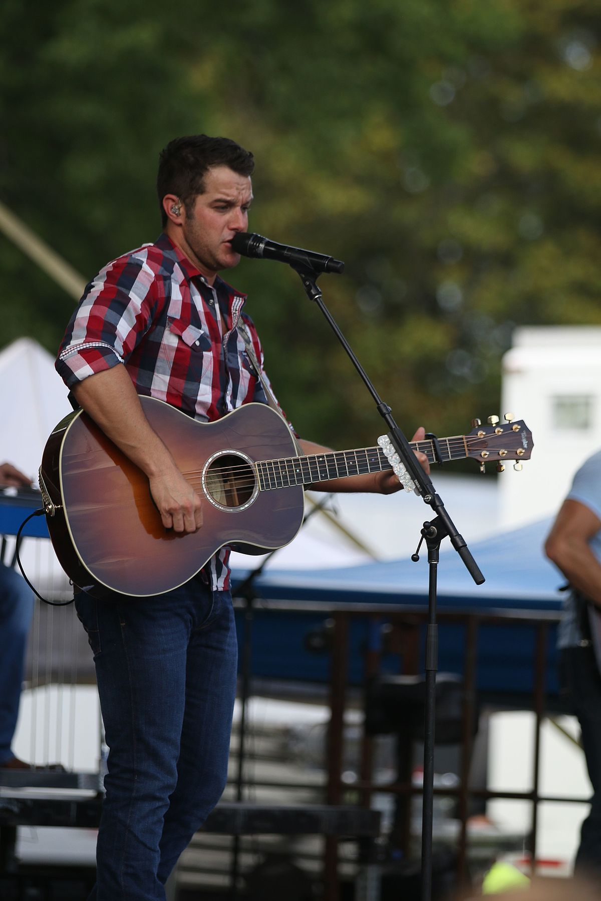 Easton Corbin - Wikipedia