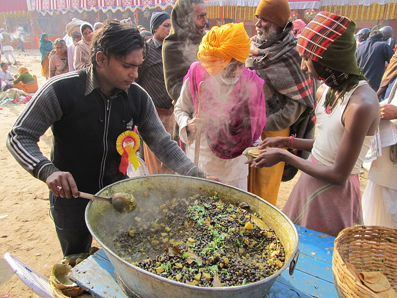 File:Free Food Distribution - Gangasagar Fair Transit Camp - Kolkata 2012-01-14 0691.JPG