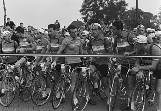1954 Tour de France - The French team at the start of stage one