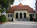 Friedhof Windsbach Leichenhaus.jpg