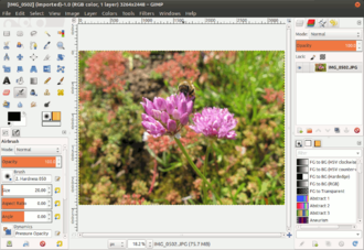 GTK+ - Image: GIMP 2.8 in Single Window Mode running on Ubuntu