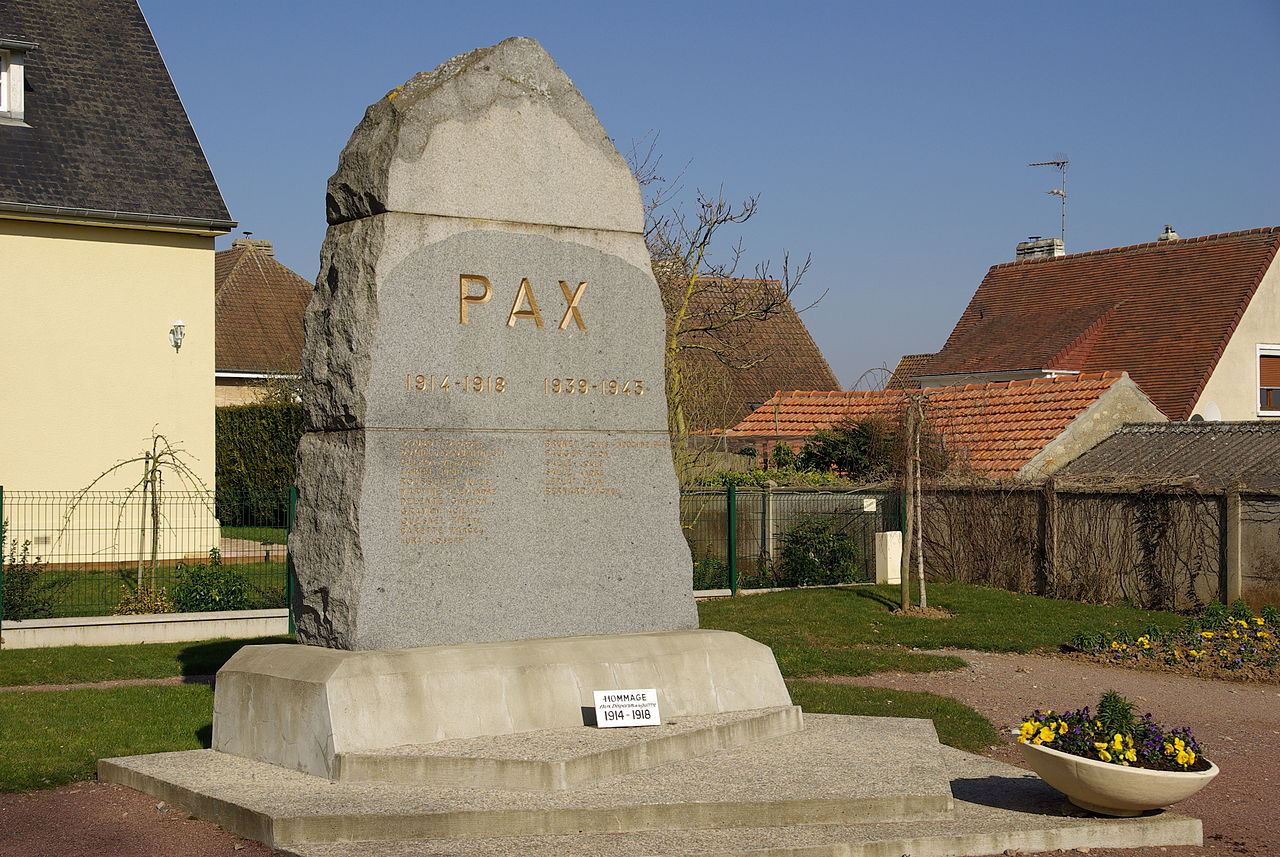 Garcelles-Secqueville war memorial.JPG