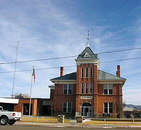 Garfield County, Utah courthouse.jpg