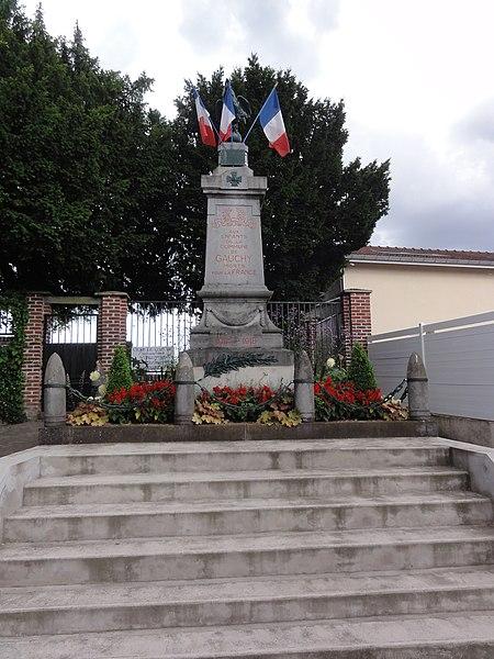 Gauchy (Aisne) monument aux morts