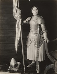Geraldine Farrar as Joan of Arc.jpg