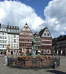 Form Im Raum Frankfurt gerechtigkeitsbrunnen frankfurt am