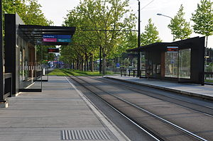 Stadtbahn Glattal - A typical Stadtbahn stop at Örlikerhaus