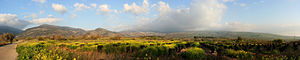 English: Panorama of the Golan Heights, with t...