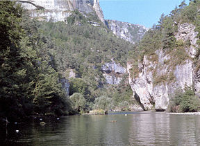 High cliffs in the Gorges du Tarn.