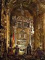 Granada-Basílica de San Juan de Dios-4-Urna de plata con los restos del santo.JPG