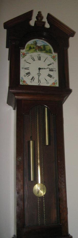 Grandfather clock q