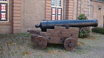 Grave kanon.JPG