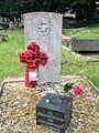 Gravestone of Aircraftman 2nd Class Raymond King of the Royal Air Force Volunteer Reserve at Llanishen Cemetery, May 2020.jpg