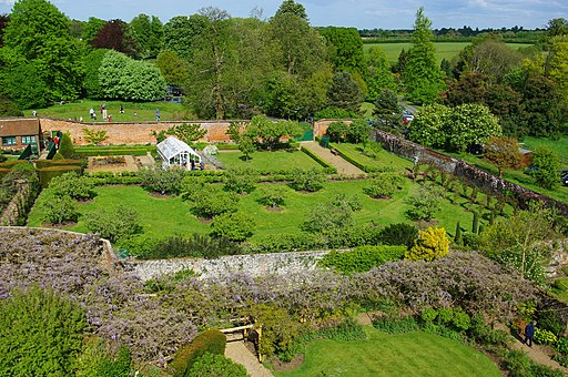 Grey's Court, the walled garden from the tower - geograph.org.uk - 1761240