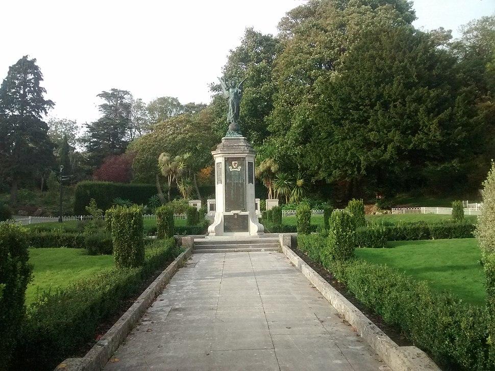Grove Park War Memorial2