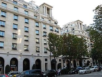 Four Seasons Hotel George V - Image: Hôtel George V 25 08 2007 n 3