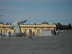 HMAS Darwin forward weapons.jpg