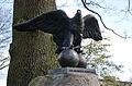 Hamburg Bramfeld Dorfplatz Adler auf dem Gedenkstein von 1898.jpg