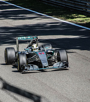 Mercedes F1 W06 Hybrid - Lewis Hamilton using the curved rear wing at the Italian Grand Prix