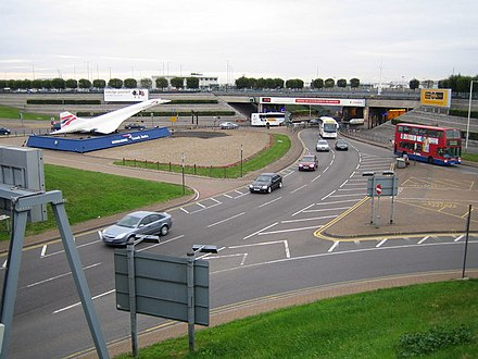 Entrance at the southern end of the M4 Motorway spur, showing a scale model of Concorde, replaced since 2008 by the Emirates A380 scale model. Heathrow Airport - geograph.org.uk - 231165.jpg