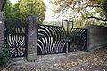 Hekwerk Begraafplaats Huizum.JPG
