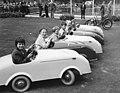 Helsinki-traffic-park-1958-cars.jpg