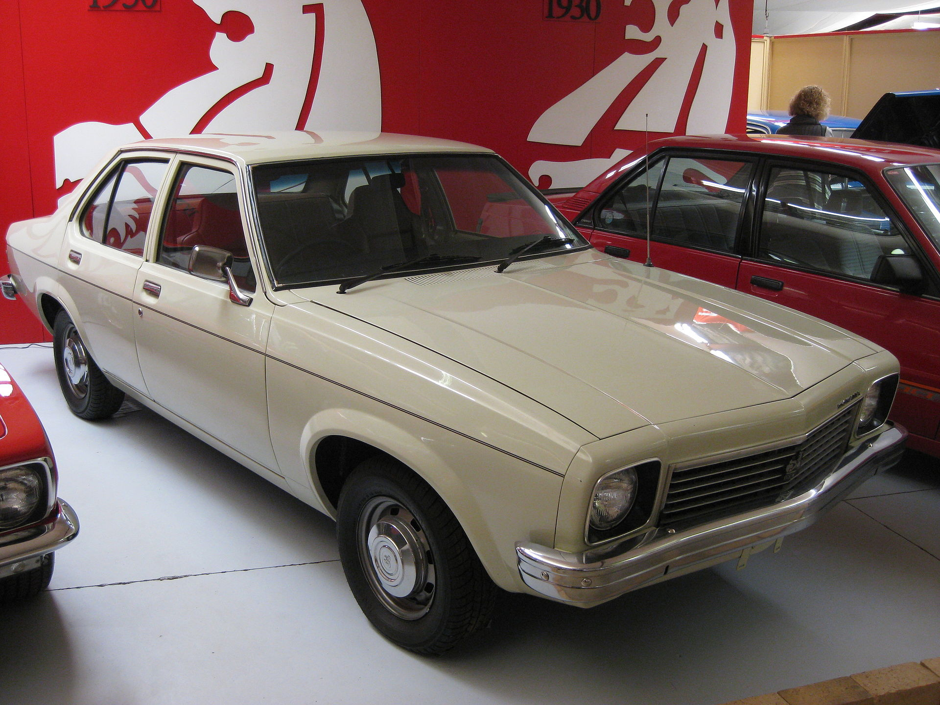 1920px-Holden_LX_Torana_S_Sedan.JPG