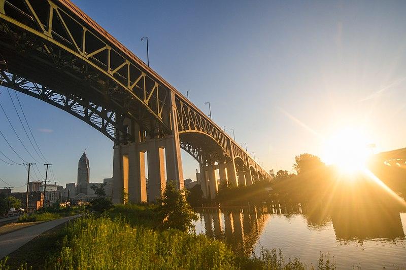 File:Hope Memorial Bridge (34719622914).jpg