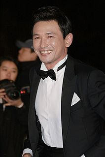 Hwang Jung-min 1970- South Korean actor