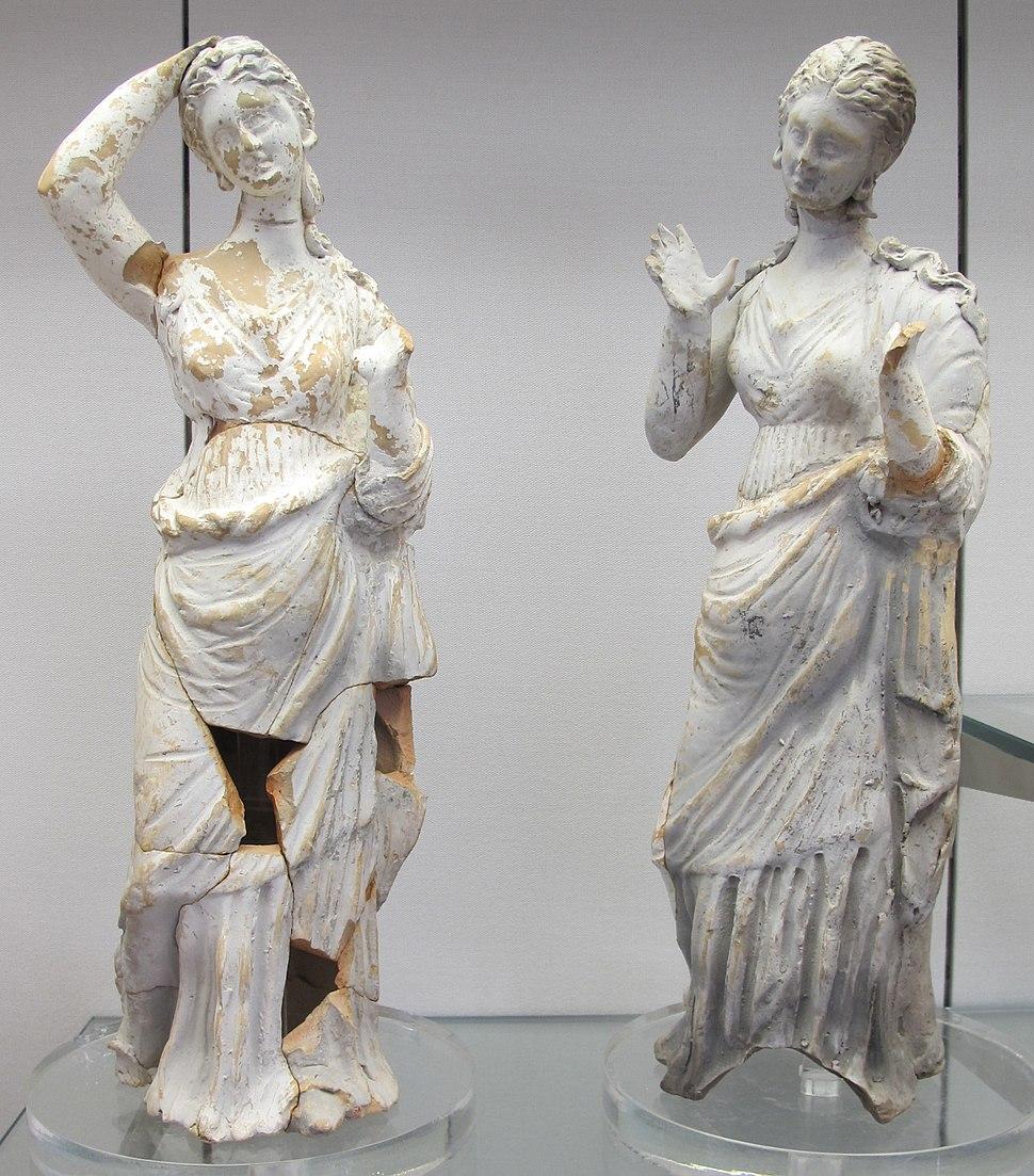 Italia del sud, due statuette femminili dolenti, 350-300 ac. ca
