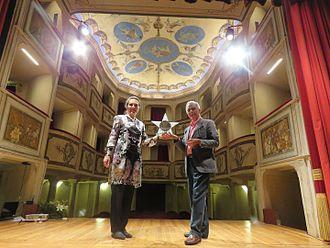 Johanna Beisteiner - Johanna Beisteiner (left) receiving the Premio Teatro della Concordia 2016 from Edoardo Brenci (President of the Società del Teatro della Concordia, right).