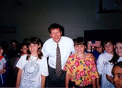 John Kasich with daughters 00