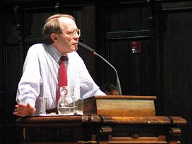 Jonathan Kozol at Pomona College 17 April 2003.jpg