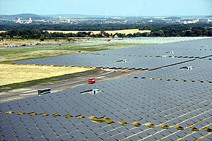 English: First Solar 40-MW CdTe PV Array insta...