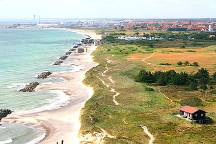 The Danish landscape is characterised by flat, arable land and sandy coasts. Kattegat coast of Skagen.jpg