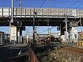 Kintetsu Bi (Yoro Railway over Tokaido Shinkansen).jpg