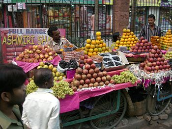 street fruit vendor in Kolkata India