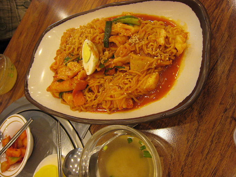 파일:Korean food-Rabokki-01.jpg