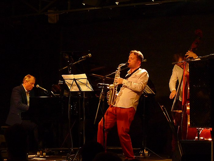 Krugliy Band in Cultural Centre DOM (2020 02 02) 08.jpg