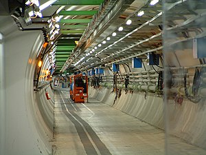 English: LHC tunnel, CERN