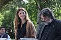 La alcaldesa, en la lectura de los Episodios Nacionales que celebra el 2 de mayo junto a la estatua de Galdós 04.jpg