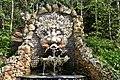 La fontaine (5597244750).jpg