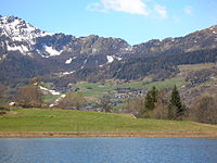 Lago di Lod, Antey (sullo sfondo Torgnon) 1.JPG