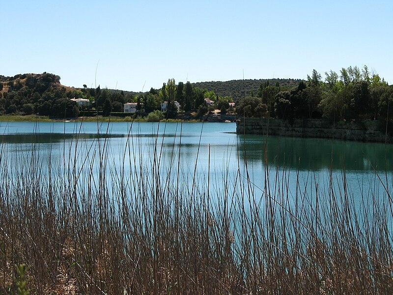 File:Lagunas de Ruidera - 054.jpg