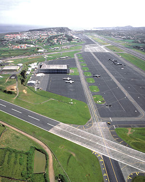 Lajes Air Base 1989 DF-ST-89-07752.jpg